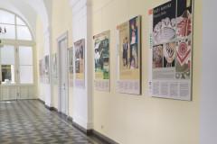 """Wystawa """"Kurpie Poland"""" prezentowana w Żaganiu"""