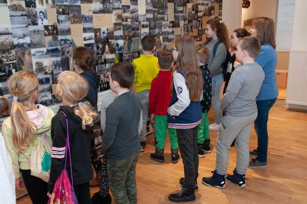 Młodzi badacze kultury obejrzeli wystawy