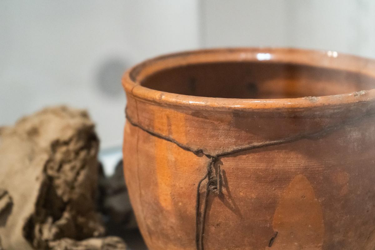 Kurpiowska ceramika na nowej wystawie czasowej