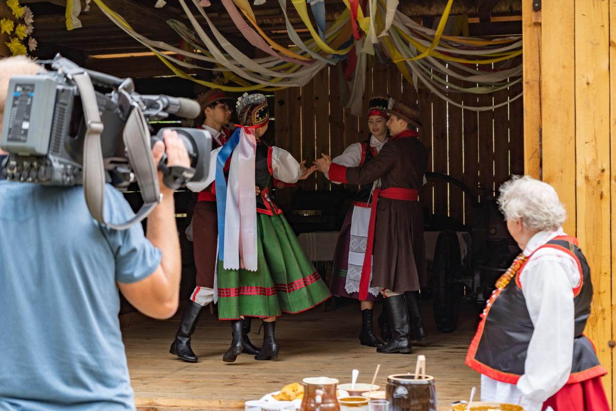 Nagranie programu TVP w Zagrodzie Kurpiowskiej w Kadzidle